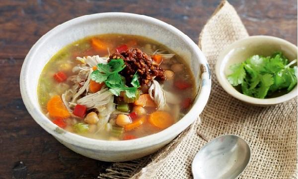 Soupe aux légumes et poulet