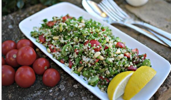 Taboulé aux fèves et à la tomates