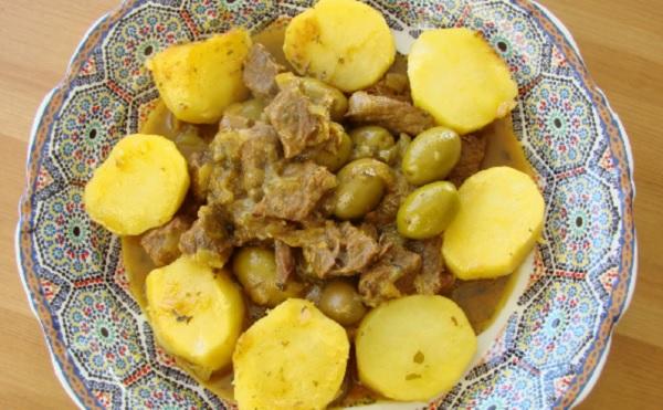 Tajine d'agneau aux petites pommes de terre