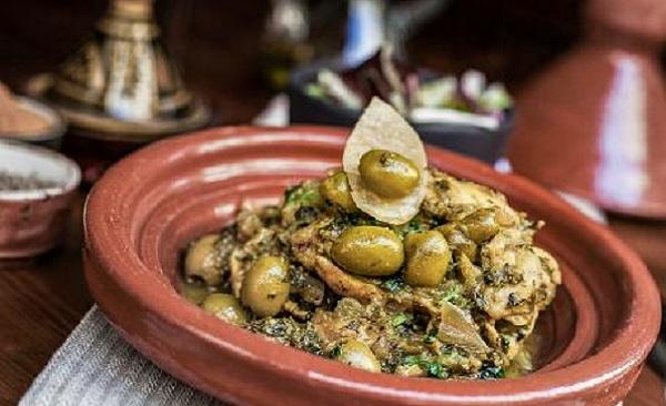 Tajine de coquelets aux dattes et olives