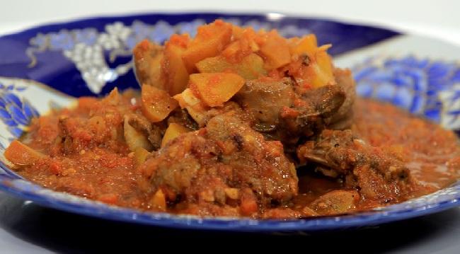 Tajine de lapin à la tomate