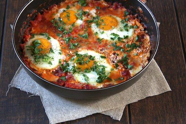 Tajine de tomates aux oeufs
