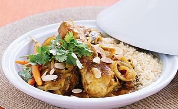 Tajine de poulet aux dattes et carottes