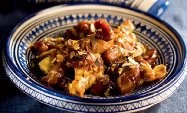 Tajine de poulet aux pruneaux et dattes