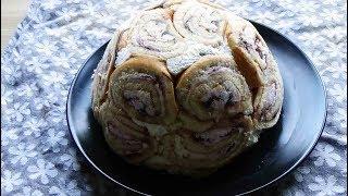 Charlotte de biscuit roulé aux myrtilles, un dessert bluffant et express